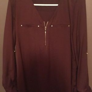 Maroon top, new without tags sz small